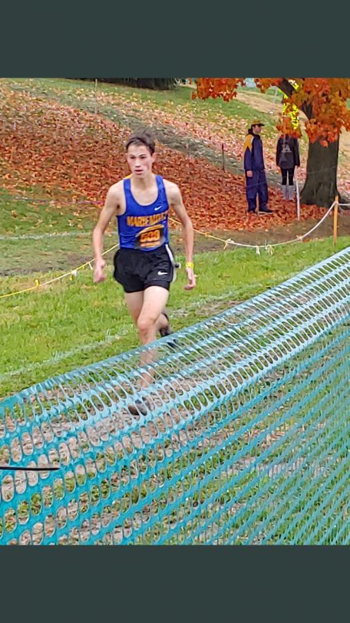 Bennet running during Regionals race