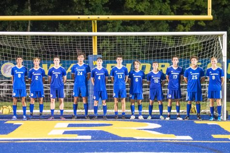 (PHOTO from ROMICK) The 11 senior boys line up in front of the Mariemont goal. (Left to right) Jimmy Sauter, Mclain Lemay, Luke Brothers, Stephan Nistor, Kyle Romick, Chase Hollander, Jaryd Hartman, Kyle Croll, Nick Comer, James McGrory, Will Fahnestock.