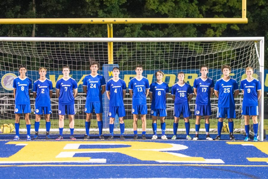 %28PHOTO+from+ROMICK%29+The+11+senior+boys+line+up+in+front+of+the+Mariemont+goal.+%28Left+to+right%29+Jimmy+Sauter%2C+Mclain+Lemay%2C+Luke+Brothers%2C+Stephan+Nistor%2C+Kyle+Romick%2C+Chase+Hollander%2C+Jaryd+Hartman%2C+Kyle+Croll%2C+Nick+Comer%2C+James+McGrory%2C+Will+Fahnestock.